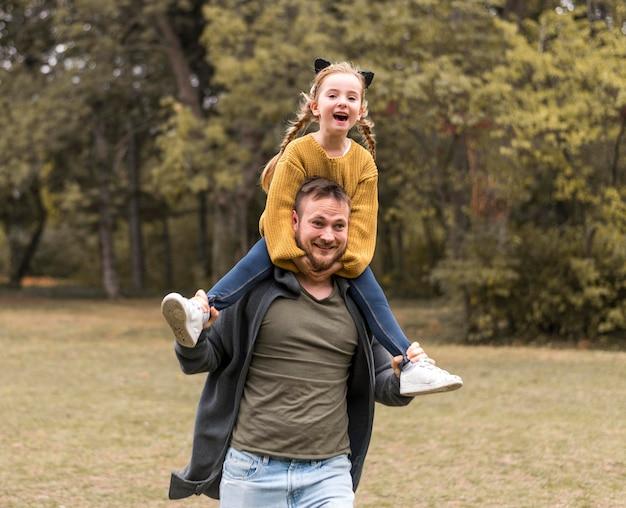 Medium geschoten vader met dochter