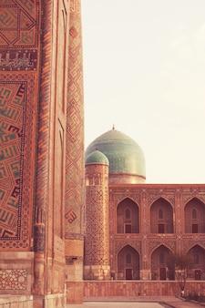 Medrese in de oude stad bukhara, oezbekistan