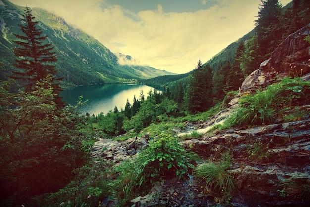 Meer in bergen.