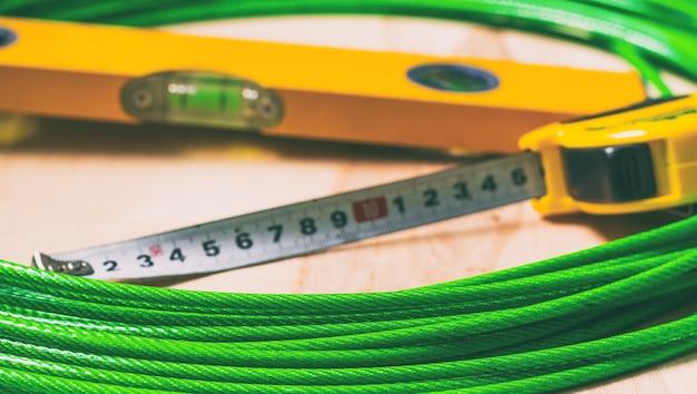 Meetlint bouwniveau en bouwgereedschap voor kabeltimmerman