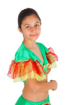 Meisje dansen met latijns-amerikaanse kleding
