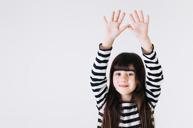 Meisje hand in hand omhoog
