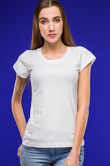 Meisje in een t-shirt