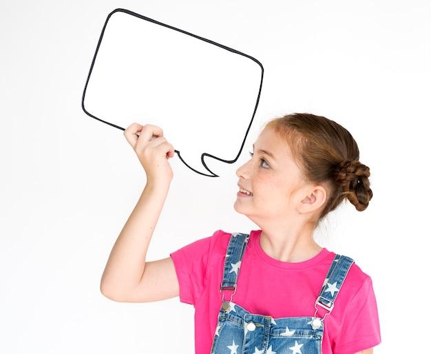 Meisje lachende geluk toespraak bubble kopie ruimte portret