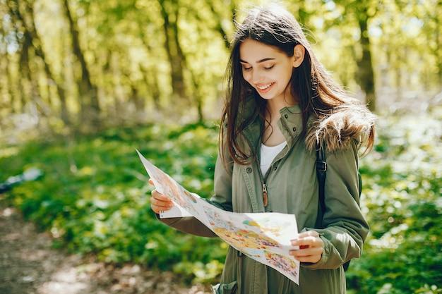 Meisje met een kaart