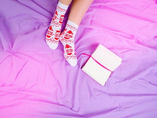Meisje met een kopje koffie, volgende boek, kerstsfeer, sokken voor kerst