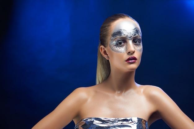 Meisje met fantastische make-up.