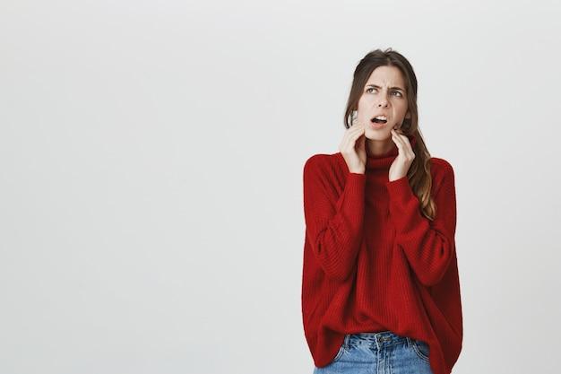 Meisje met kiespijn