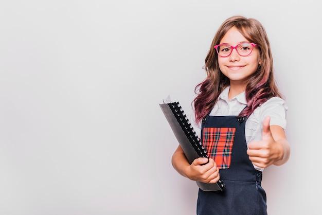Meisje met notitieboekje