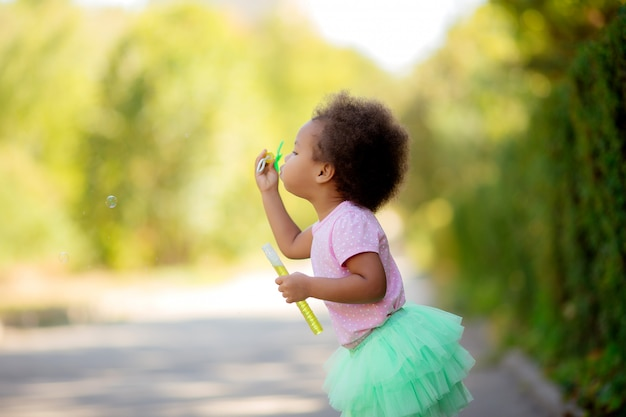 Meisje met zeepbellen