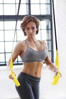 Meisje op sportschool