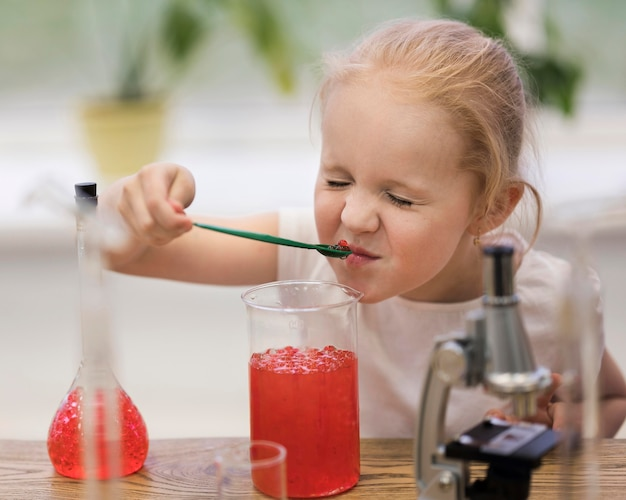 Meisje ruiken experiment