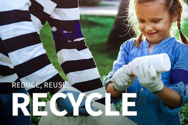 Meisje sorteert afval met verminder, hergebruik en recycle tekst voor milieubanner