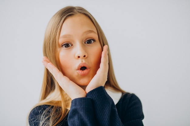 Meisje tiener in schooluniform