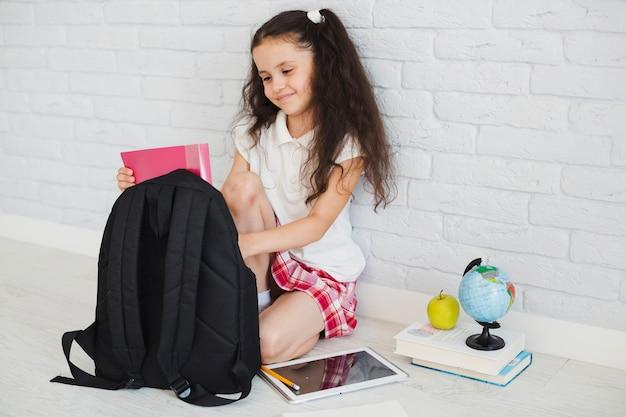Meisje voorbereiding op school