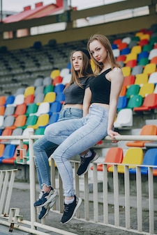 Meisjes op een stadion