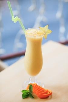 Melk cocktail. eten en drinken concept