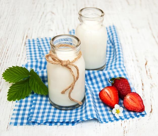 Melk en aardbeien