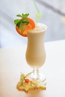 Melkcocktail. eten en drinken concept
