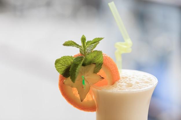 Melkcocktail. gezonde voeding concept