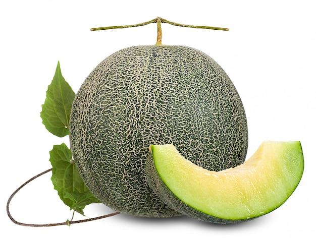 Meloen op wit met het knippen van weg wordt geïsoleerd die