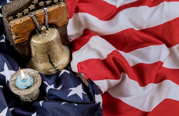 Memorial happy day herdenk degenen die dienden met candle memory en remember bell
