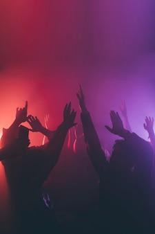 Menigte in nachtclub