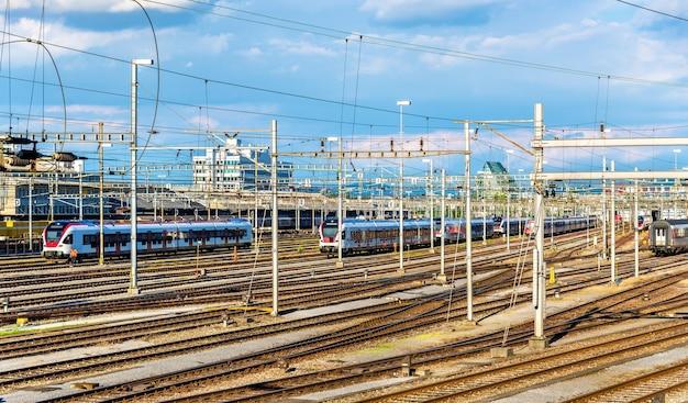 Mening van het sbb-station van bazel in zwitserland