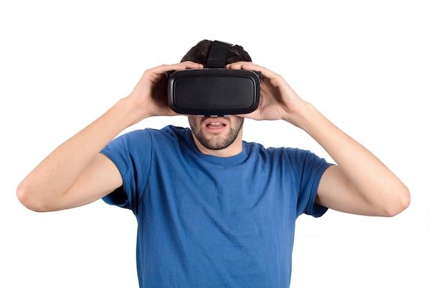 Mens die virtuele werkelijkheid ervaart.