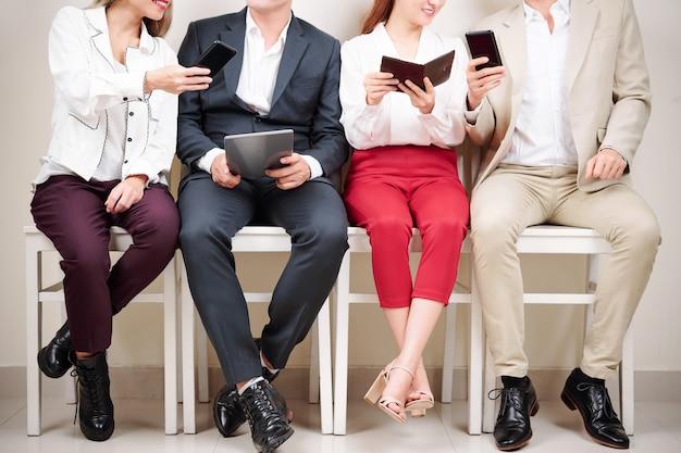 Mensen die online werken