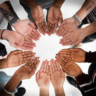 Mensen handen samen partnership teamwork