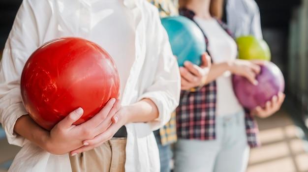 Mensen houden van bowlingballen