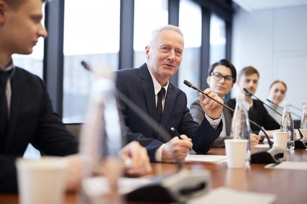 Mensen in business forum