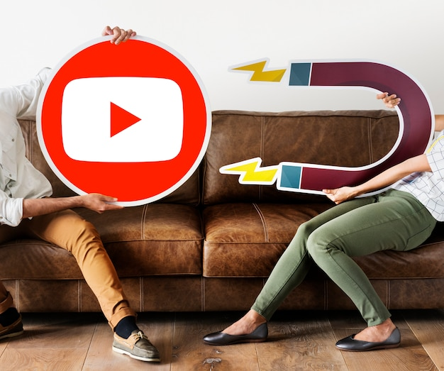 Mensen met een youtube-pictogram