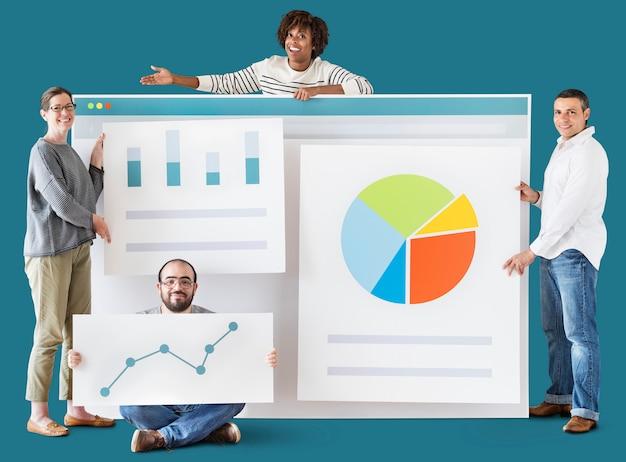 Mensen met verschillende statistieken en grafieken