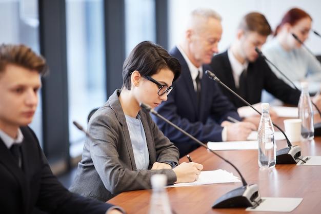Mensen uit het bedrijfsleven in forum