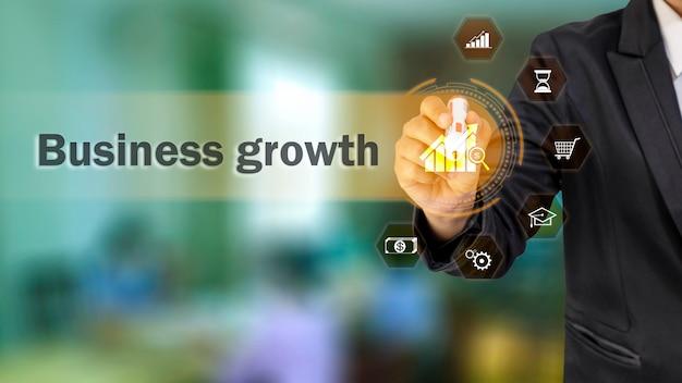 Mensen uit het bedrijfsleven kiezen voor groeiende grafiekpictogrammen en technische groeipictogrammen