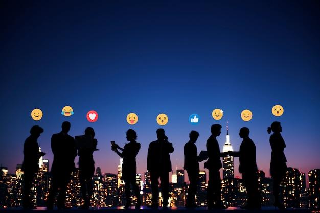 Mensen uit het bedrijfsleven met emoji's
