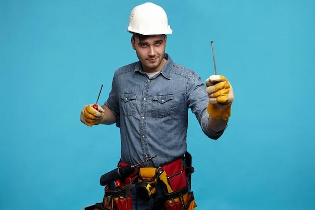 Mensen, uitrusting, constructie en renovatieconcept.