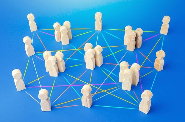 Mensen verbonden door vele lijnen. hiërarchie van een bedrijf zonder een dominant centrum