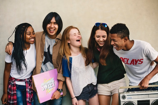 Mensen vriendschap muziek radio entertainment saamhorigheid