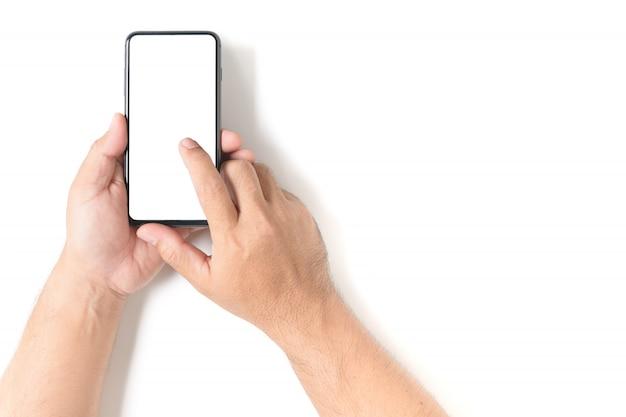 Mensenhand die de zwarte smartphone houden