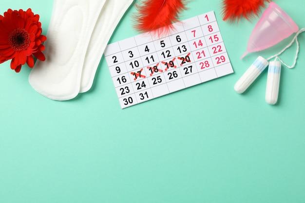 Menstruatie periode concept op mint oppervlak