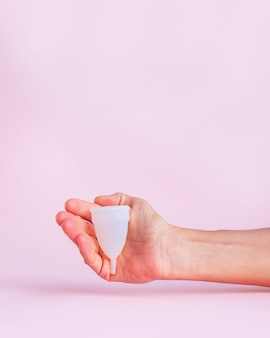 Menstruatiecup op roze b
