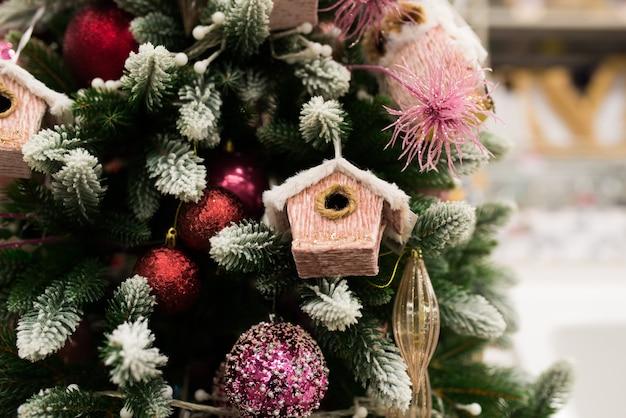 Met de hand gemaakt kerstmisspeelgoed, de sneeuwmanvakantie van de firboomsanta claus