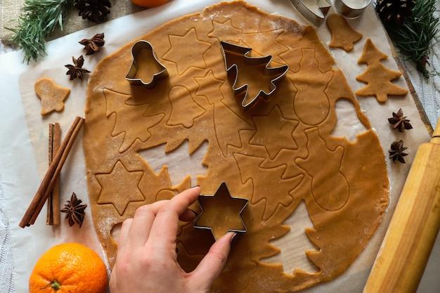 Met de hand gemaakte regeling van peperkoekkoekjes