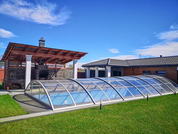 Met glas overdekt zwembad met water overdekt zwembad