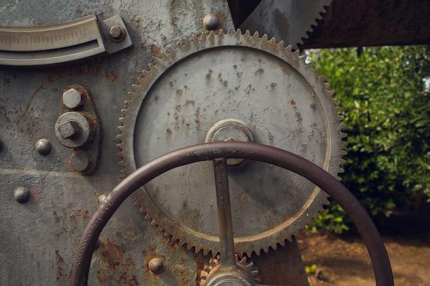 Metaal roestige industriële de close-upfoto van machinedelen.