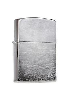 Metalen aansteker geïsoleerd op een witte achtergrond