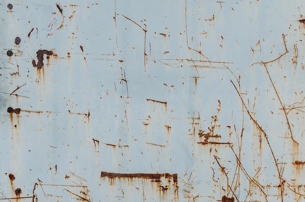 Metalen achtergrond met roest. roestvlekken. corrosie witte achtergrond.